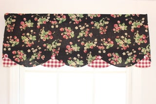 'Strawberry Fields' Black Petticoat Valance