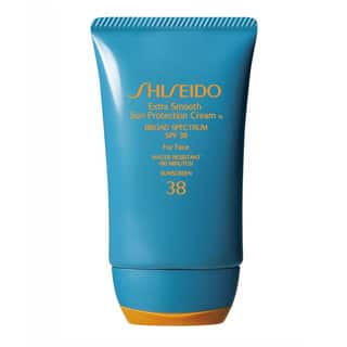 Shiseido Extra Smooth 2-ounce Sun Protection Cream with SPF 38|https://ak1.ostkcdn.com/images/products/8052201/P15409898.jpg?impolicy=medium