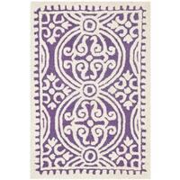 Safavieh Handmade Cambridge Moroccan Purple/ Ivory Rug - 2'6 x 4'