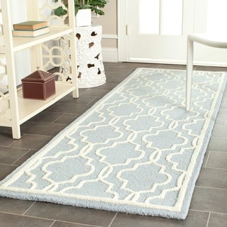 Safavieh Handmade Moroccan Cambridge Light Blue/ Ivory Wool Rug (2' 6 x 6')