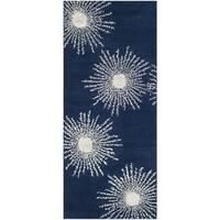 "Safavieh Hand-made Soho Burst Dark Blue/ Ivory Wool Rug - 2'6"" x 6'"