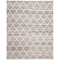 Safavieh Hand-woven Natural Kilim Light Grey/ Ivory Wool Rug - 8' x 10'