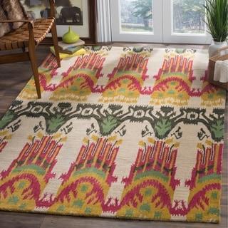 Safavieh Hand-made Ikat Beige/ Yellow Wool Rug (6' x 9')