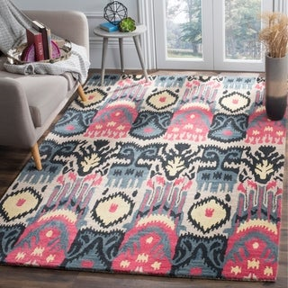 Safavieh Hand-made Ikat Beige/ Blue Wool Rug (9' x 12')