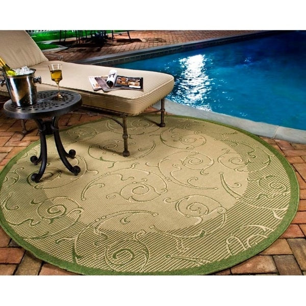 "Safavieh Oasis Scrollwork Olive Green/ Natural Indoor/ Outdoor Rug - 7'10"" x 7'10"" round"
