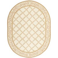 Safavieh Hand-made Chelsea Ivory/ Camel Wool Rug - 4'6 x 6'6 Oval