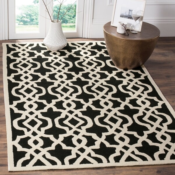 Safavieh Hand-Hooked Four Seasons Navy / Green Polyester Rug - 8' x 10'