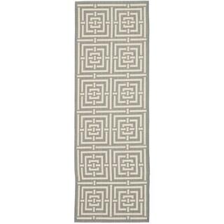 Safavieh Indoor/ Outdoor Courtyard Grey/ Cream Rug (2'3 x 8')