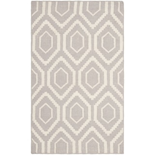 Safavieh Hand-woven Moroccan Reversible Dhurrie Grey/ Ivory Wool Rug (2'6 x 4')