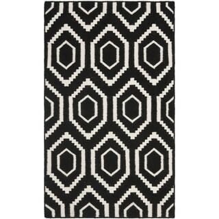 "Safavieh Hand-woven Moroccan Reversible Dhurrie Black/ Ivory Wool Rug - 2'6"" x 4'"
