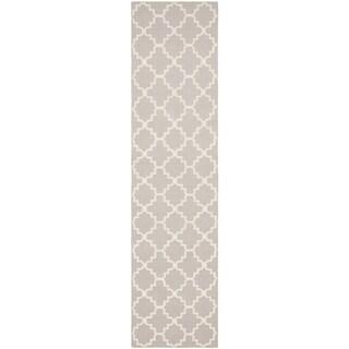Safavieh Hand-woven Moroccan Reversible Dhurrie Grey/ Ivory Wool Rug (2'6 x 14')