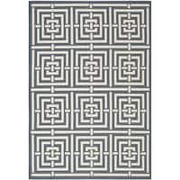 Safavieh Geometric Indoor/Outdoor Courtyard Navy/Beige Rug - 4' x 5'7