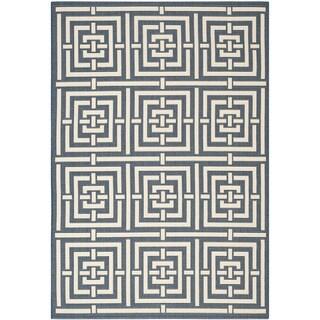 Safavieh Geometric Indoor/Outdoor Courtyard Navy/Beige Rug (6'7 x 9'6)