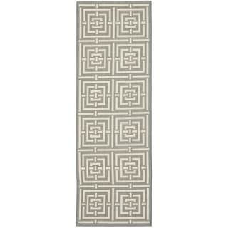 Safavieh Indoor/ Outdoor Courtyard Grey/ Cream Rug (2'3 x 18')