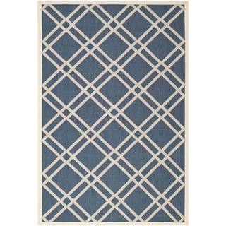 Safavieh Diamond-Pattern Indoor/Outdoor Courtyard Navy/Beige Rug (4' x 5'7)
