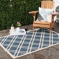 """Safavieh Diamond-Pattern Indoor/Outdoor Courtyard Navy/Beige Rug - 5'3"""" x 7'7"""""""