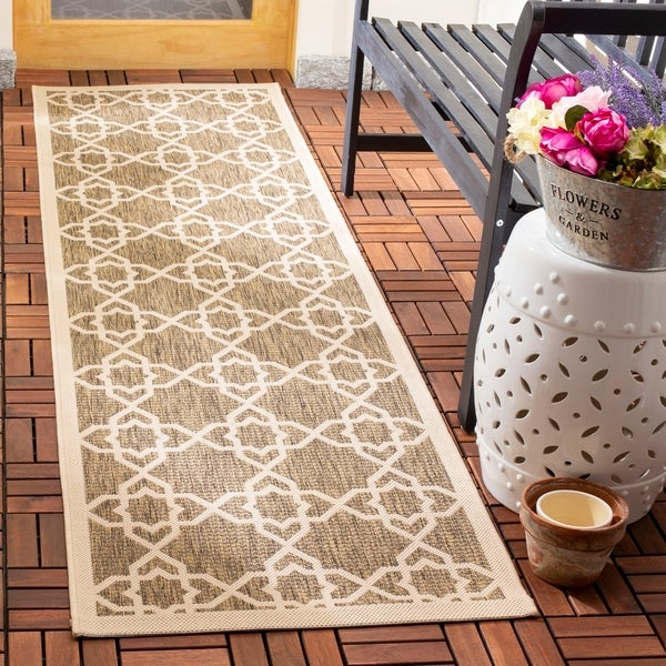 Safavieh Courtyard Geometric Trellis Brown/ Beige Indoor/ Outdoor Rug - 2'3 x 14'