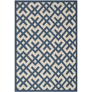 "Safavieh Courtyard Contemporary Navy/ Beige Indoor/ Outdoor Rug (4' x 5'7"")"