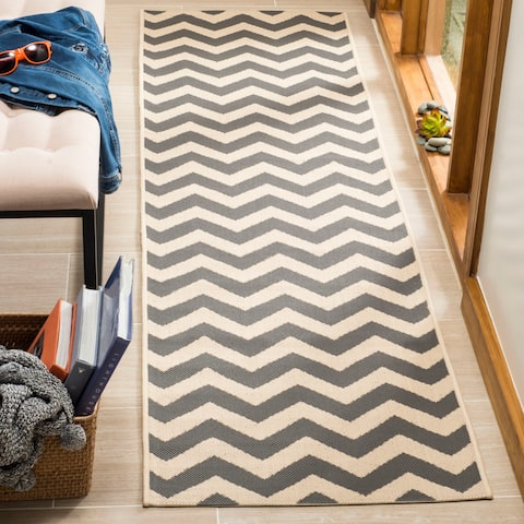 "Safavieh Courtyard Chevron Grey/ Beige Indoor/ Outdoor Runner Rug - 2'3"" x 14' Runner"