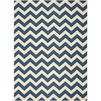 Safavieh Courtyard Chevron Navy/ Beige Indoor/ Outdoor Rug - 9' x 12'