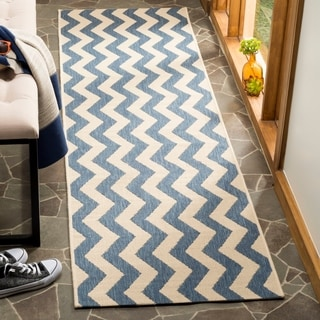 Safavieh Courtyard Zig-Zag Blue/ Beige Indoor/ Outdoor Rug (2'3 x 10')