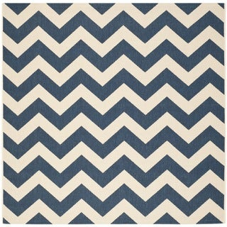 Safavieh Chevron Moroccan Indoor/Outdoor Courtyard Navy/Beige Rug (6'7 Square)