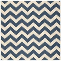 Safavieh Courtyard Chevron Navy/ Beige Indoor/ Outdoor Rug - 6'7 Square