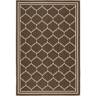 "Safavieh Courtyard Transitional Chocolate/ Cream Indoor/ Outdoor Rug (4' x 5'7"")"