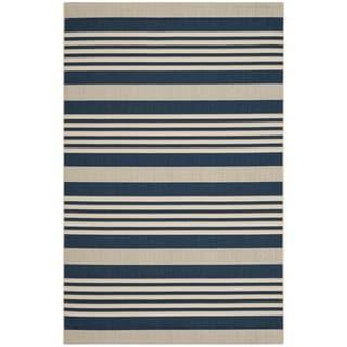 Safavieh Indoor/ Outdoor Courtyard Stripe-pattern Navy/ Beige Rug (5'3'' x 7'7'')