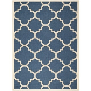 Safavieh Courtyard Quatrefoil Navy/ Beige Indoor/ Outdoor Rug (8' x 11')