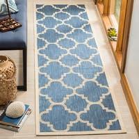 Safavieh Courtyard Quatrefoil Blue/ Beige Indoor/ Outdoor Rug - 2'4 x 14'
