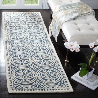 Safavieh Handmade Cambridge Moroccan Navy Blue/ Ivory Rug (2'6 x 14')