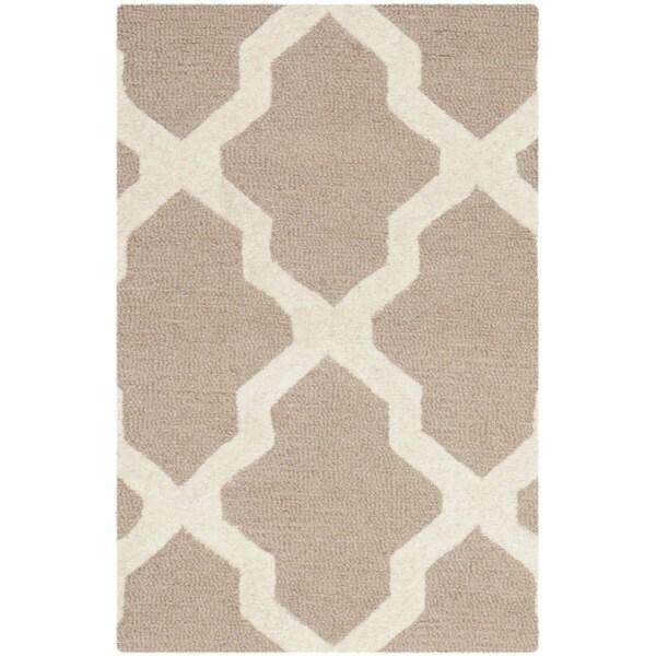 Safavieh Handmade Moroccan Cambridge Beige/ Ivory Wool Rug (2'6 x 4')