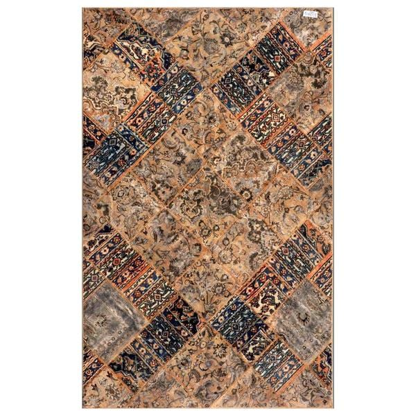 Herat Oriental Pak Persian Hand-knotted Patchwork Wool Rug (6'2 x 9'10)