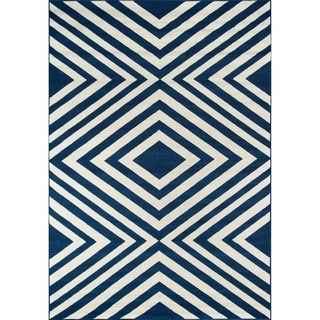 Indoor/ Outdoor Navy Zig-Zag Rug (6'7 x 9'6)