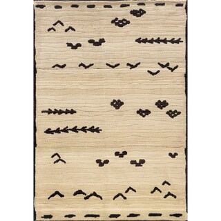 Old World Tribal Ivory/ Brown Area Rug (5'3 x 7'6)