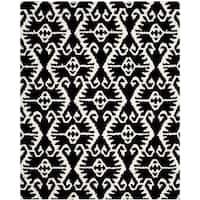 "Safavieh Handmade Wyndham Black/ Ivory Wool Rug - 8'9"" x 12'"