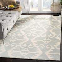 Safavieh Handmade Wyndham Grey/ Ivory Wool Rug - 6' x 9'