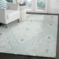 "Safavieh Handmade Wyndham Blue/ Ivory Wool Rug - 8'-9"" x 12'"