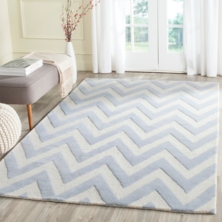 Safavieh Handmade Moroccan Cambridge Chevron-pattern Light Blue/ Ivory Wool Rug (10' x 14')