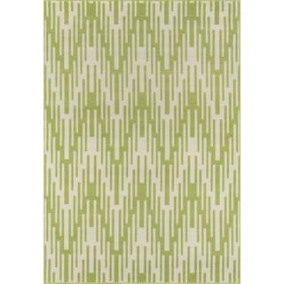 Indoor/ Outdoor Green Ikat Rug (6'7 x 9'6)