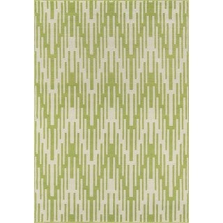 Indoor/ Outdoor Green Ikat Rug (3'11 x 5'7)