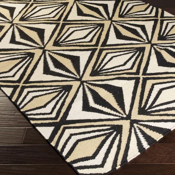 '' Hand-woven Beige Moroccan Tile Wool Rug (5' X 8