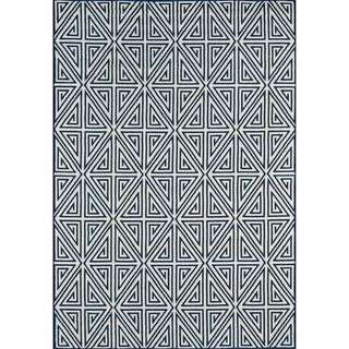 Momeni Baja Diamonds Navy Indoor/Outdoor Area Rug (6'7 x 9'6)