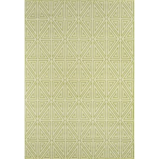 Indoor/ Outdoor Green Diamonds Rug (3'11 x 5'7)