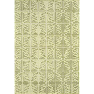 Indoor/ Outdoor Green Diamonds Rug (2'3 x 4'6)