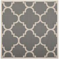 "Safavieh Courtyard Quatrefoil Grey/ Beige Indoor/ Outdoor Rug - 7'10"" x 7'10"" square"