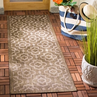 "Safavieh Indoor/Outdoor Courtyard Black/Beige Geometric Rug (5'3"" x 7'7"")"
