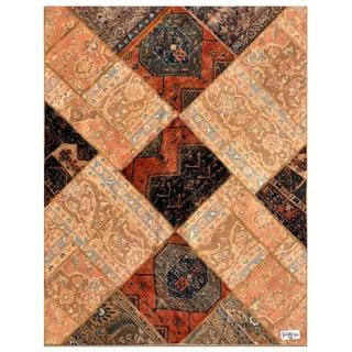 Herat Oriental Pak Persian Hand-knotted Patchwork Wool Rug (4'10 x 6'3)