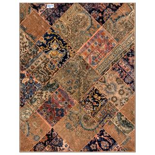 Herat Oriental Pak Persian Hand-knotted Patchwork Ivory/ Green Wool Rug (4'11 x 6'3)